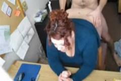 Pornokalendář DV (Vendelín 20.10.) – Muž šoustá baculatou kolegyni – skrytá kamera
