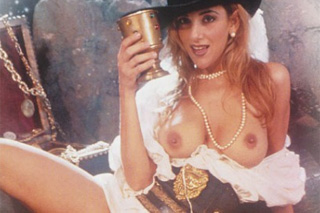 Selen: The Girl of the Treasure Island (1998) – pirátský pornofilm