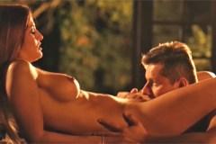 Mladý pár si něžně zasouložil během romantického večera! (Nicole Vice)