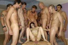 Sasha Grey a dvanáct rozhněvaných mužů – gang bang porno