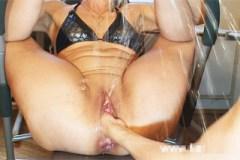 Fistování zralé partnerky s orgasmickou zápletkou! – squirt porno