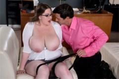 Kancelářské šoustáníčko s baculatou sekretářkou Nixie Night!