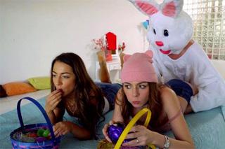 Velikonoční trojka s kámoškou a nevlastním bratrem! (Alex Blake a Lily Adams)