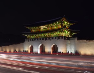 seoul-palace-at-night