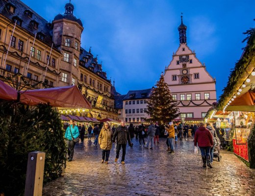 5 European Christmas Markets to Visit for Maximum Holiday Cheer