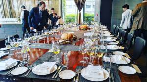 what-qualities-make-a-great-older-wine-lunch-table