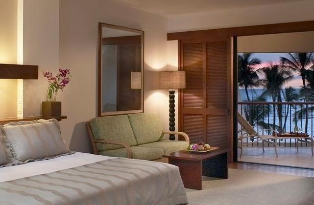 Best Big Island Hawaii Luxury Hotels - Mauna Lani Bay Oceanfront Room