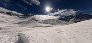 Retour via le Col du Lautaret, où la neige est omniprésente
