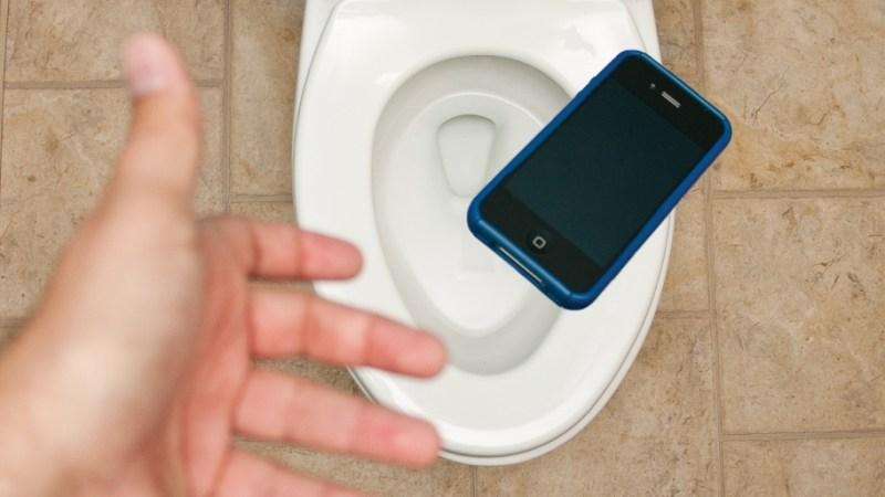 Ce să faci dacă ți-a picat telefonul în apă