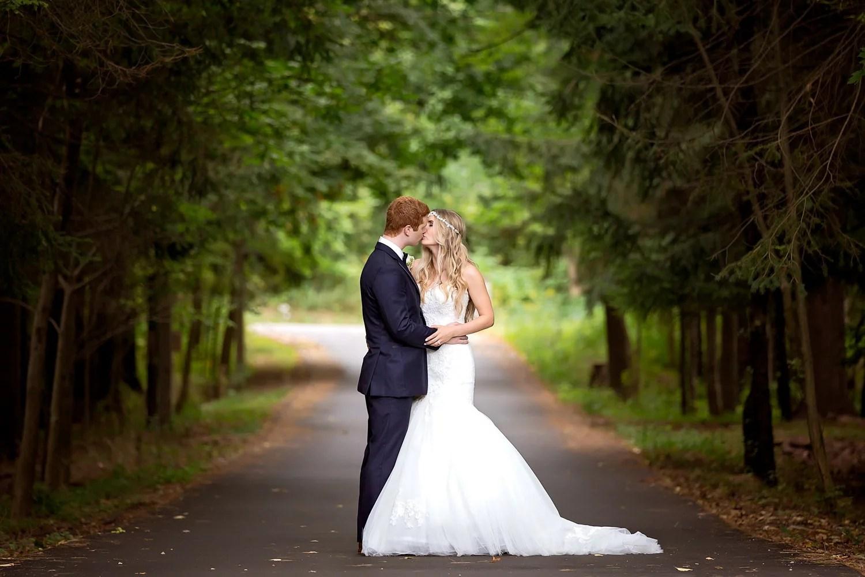 Janine & Richard: Oakville Conference & Banquet Centre Wedding Photographer