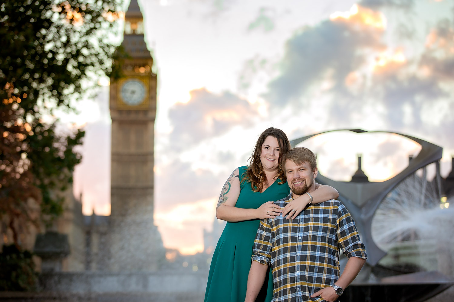 janice-peter-westminster-the-river-thames-london-engagement-14