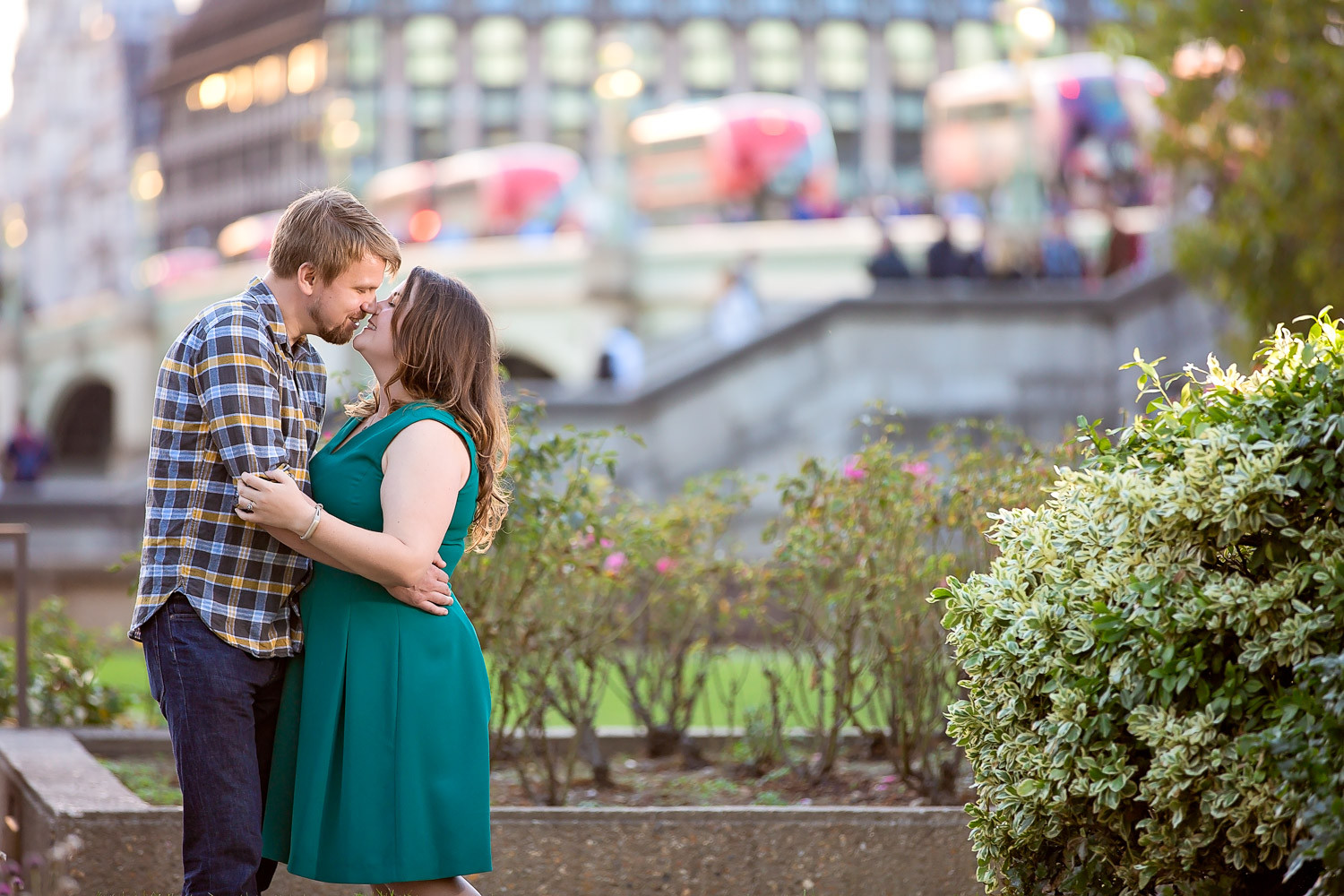janice-peter-westminster-the-river-thames-london-engagement-9