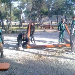 Postavljen mobilijar u parku za djecu, u toku sanacija šume