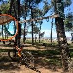 U parku na Ćemovskom postavljen i parking za bicikla