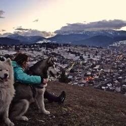 Đulija Kardović: Kad nije u salonu, ona fotografiše, planinari, skija, skače iz aviona... i zaljubljena je u rožajski kraj