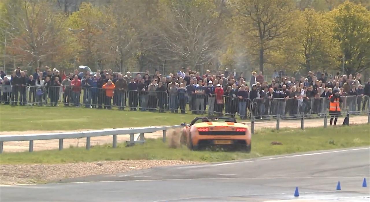 1300HP Twin Turbo Lamborghini Almost Hit Steel Barrier - 3