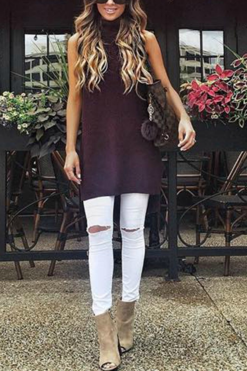 fall-winter-outfit-ideas-casual-white-jeans-taupe-ankle-boots
