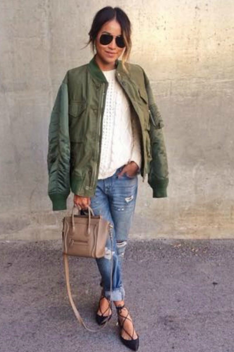 sincerely jules fall outfit casual streetstyle boyfriend jeans green sweater ad a mini celine bag with ballet flats