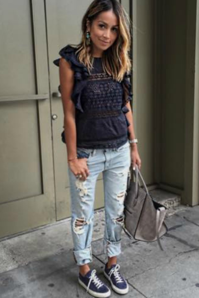 sincerely-jules-fall-outfit-casual-streetstyle-ripped-boyfriend-jeans-ruffle-blouse