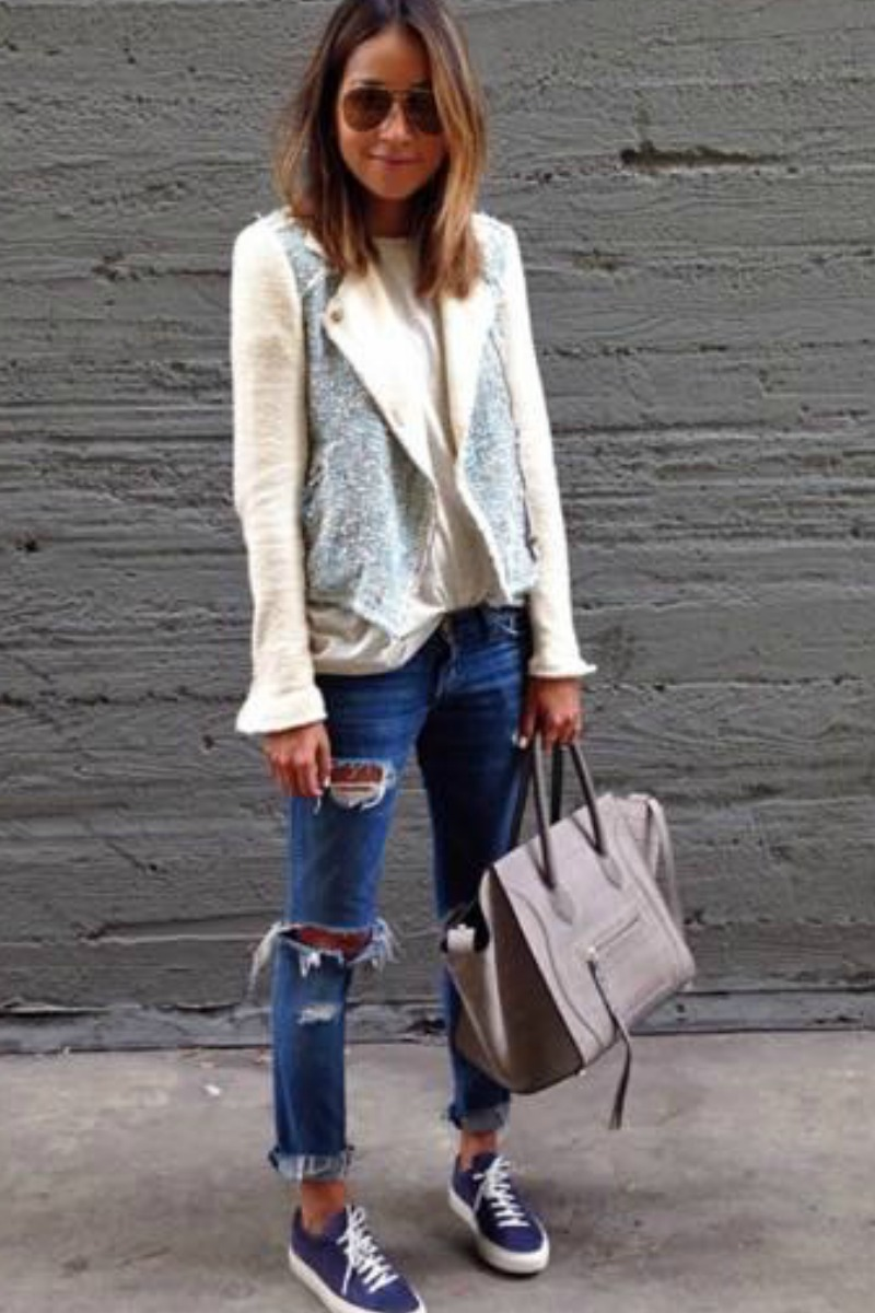 sincerely-jules-fall-outfit-casual-streetstyle-ripped-jeans-sneakers