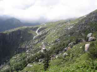 On the way to Rohtang La