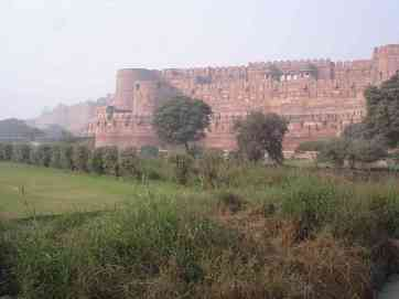 The enormous Agra Fort