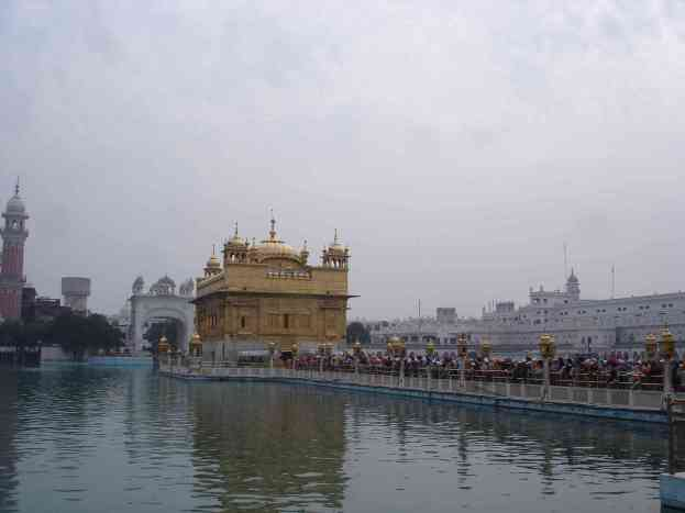 The massive line to the Golden Temple