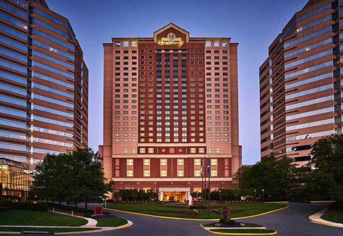 The-Ritz-Carlton-Tysons-EXTERIOR