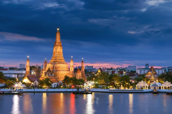 The famous Wat Arun Buddhist temple of Bangkok ,Thailand.