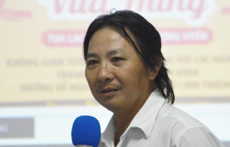 Điêu khắc gia Phạm Văn Út