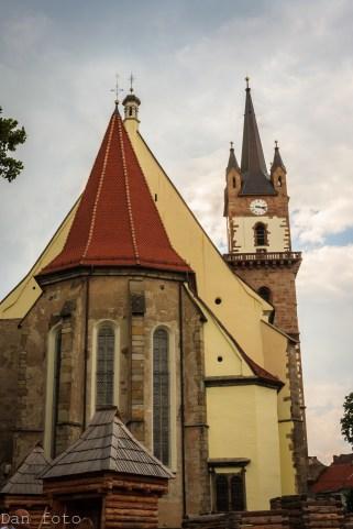Arhitectura- biserica săsească_-2