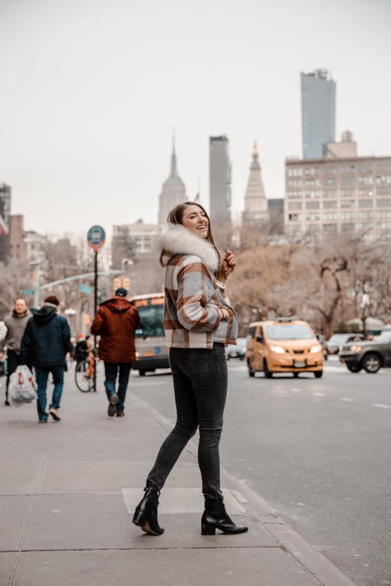 Photo Spots of the Empire State Building in NYC Instagram Approved | Dana Berez NYC Photography Ideas Union Square