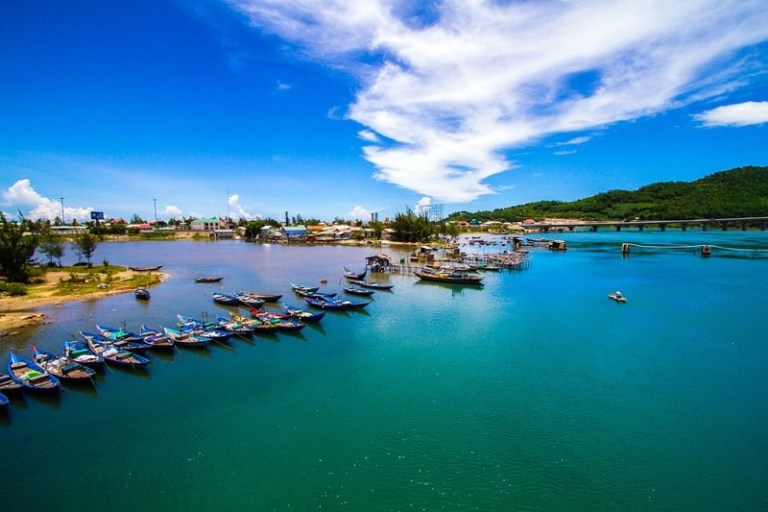 Transfer from Hue to Danang By Private Car rental only 50 usd