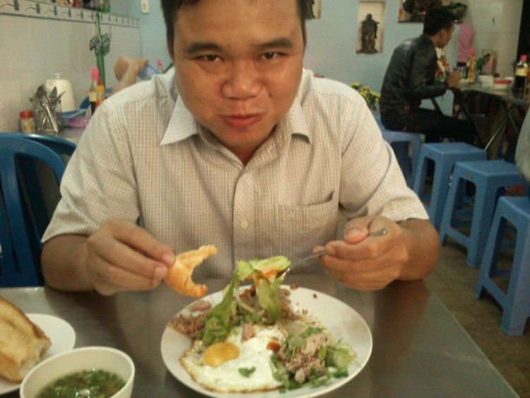 da nang food tour local cuisine vietnam