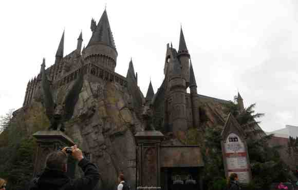 harry potter, wizarding, universal, universal studios, castle, hogwarts, adventure kissimmee, florida, orlando, travel, summer, pittsburgh frugal mom, off season, peak season, usa, pittsburgh, kids, teens, tweens