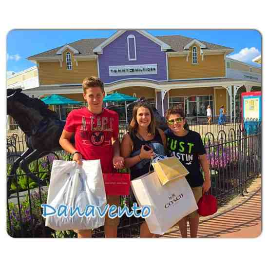 shopping,shopping maven, fashion, fashionista, tips, tricks, outlet shopping, tanger, tanger outlets, fashion savvy, brand names, Aeropostale, SAS, Famous Footwear, gap outlet, coach outlet, michael kors outlet, dana vento, shopping girl, ad, 10 Tips For Shopping Tanger Outlets