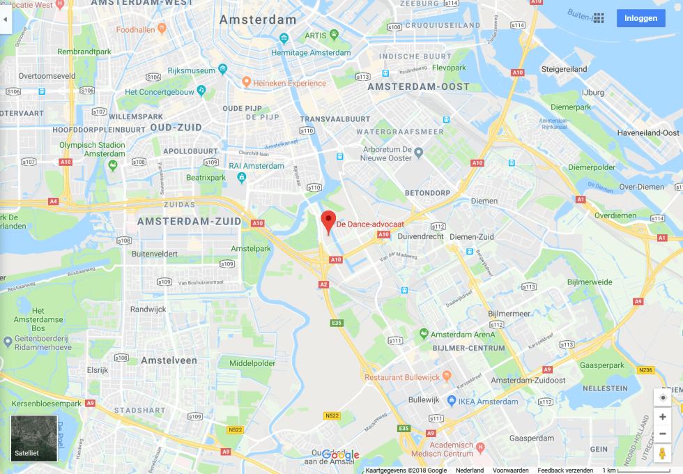 Mijn kantoor ligt bij de Knooppunt Amstel, bij de uitrit van de A2 en de Ring A10. Er zijn veel (betaalde) parkeerplaatsen voor de deur en aan de straatkant. Elektrisch opladen is mogelijk. Vanaf metrostation Overamstel (1 halte na Amsterdam RAI) is het 4 minuten lopen. Het Johnny River-gebouw beschikt over een Urbee-fietsenstalling.