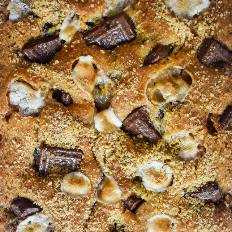 Smores bread with marshmallows and chocolate chunks on top