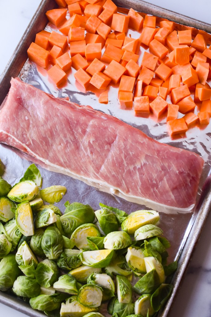 Sheet pan with Pork Loin, brussels sprouts and sweet potatoes
