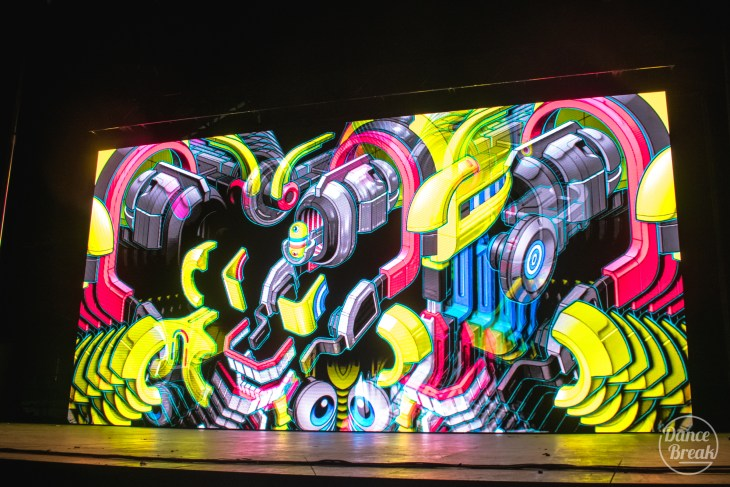 Visuals for Tipper at the Amazonia Stage