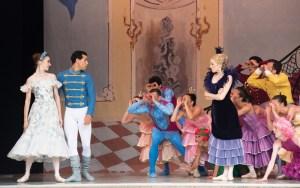 TIvoli Ballet Theatre's Fenella Cook (Cinderella), Robert Thomsen (Prince), Nadia Dahl (Stepmother) and corps de ballet in Yuri Possokhov's Cinderella    photo: Annett Ahrends
