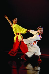 Joseph Lee and Catie He of the Lorita Leung Dance Company in Gao Bo's Zhuo Ma | Photo: Lorita Leung