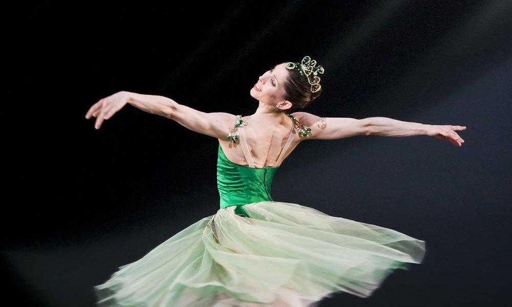 Leanne Benjamin in Emeralds.