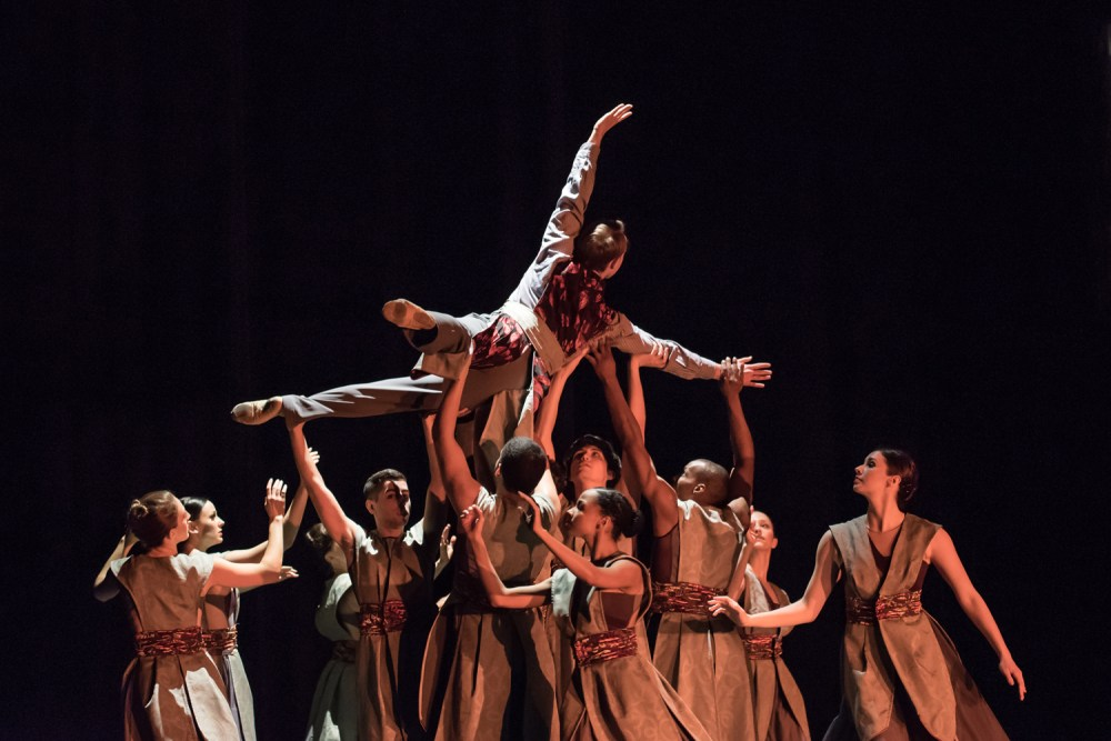 Thodos Dance Chicago performing Sono's Journey (Photo by Johnny Nevin)