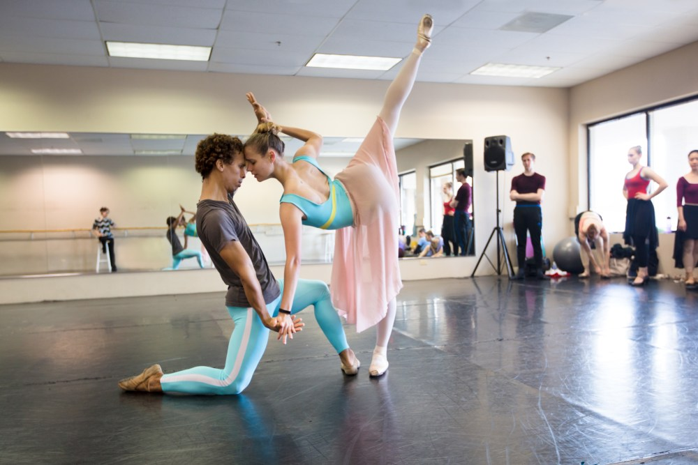 """Ballet 5:8 """"Strangers and Angels"""" (Photo Courtesy of Ballet 5:8)"""