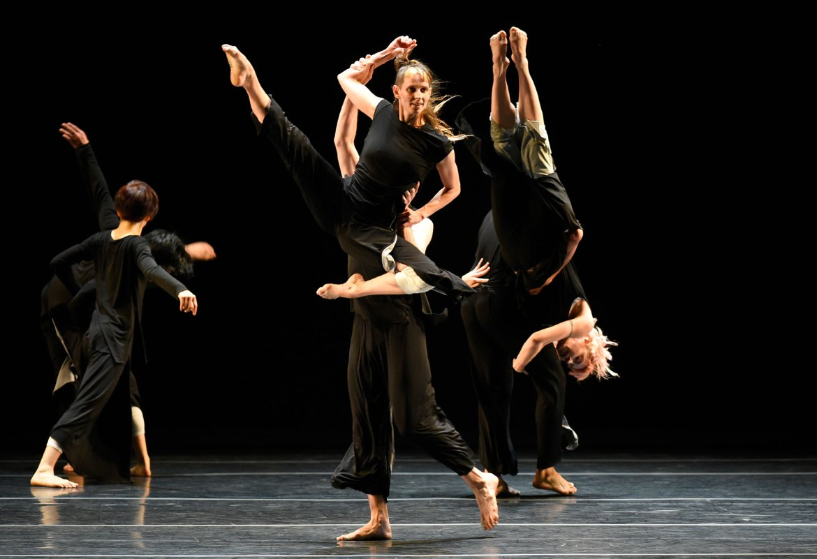 """Doug Varone and Dancers performing """"Lux"""" (Photo by Grant Halverson, copyright The American Dance Festival, courtesy of Doug Varone and Dancers)"""