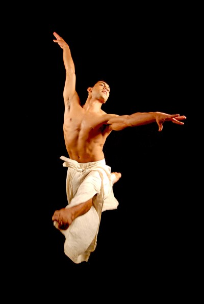 """Cesar G Salinas in Giordano Dance Chicago's """"Wings"""" (Photo by Mike Canale)"""