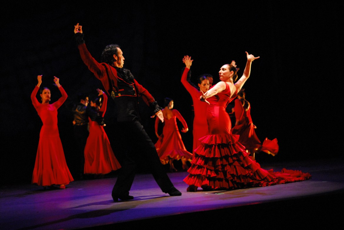 Irma Suarez Ruiz and Jorge Perez in Bolero - Choreography by Dame Libby Komaiko (Courtesy of Ensemble Espanol)