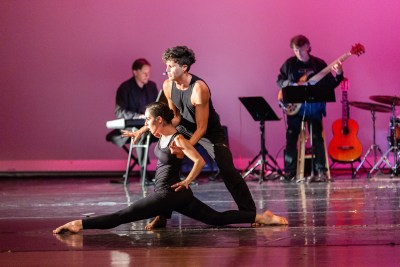 Cerqua Rivera Dance Theatre (Photo by Leni Manaa-Hoppenworth)