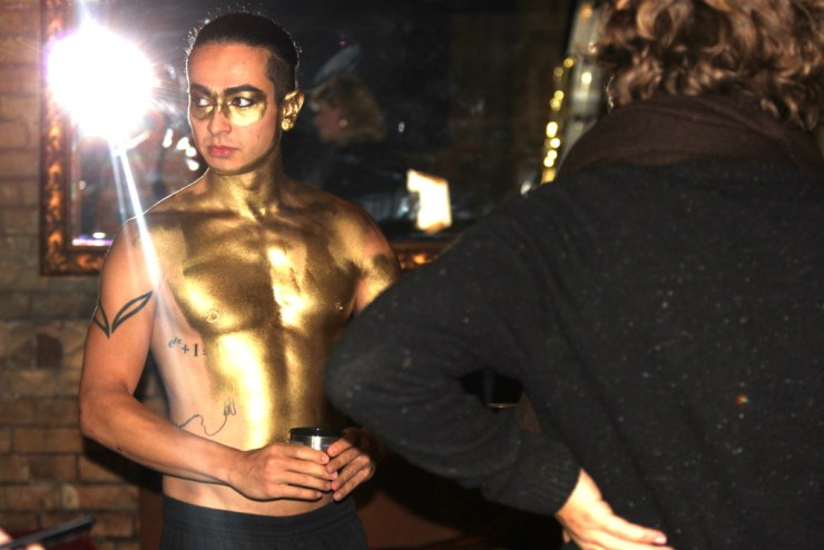 Frank Döllinger gold im Gesicht, Bodypaint Dance Music Video, Frank Döllinger, Freudenthal